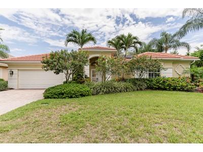 Maison unifamiliale for sales at PELICAN LANDING - SANCTUARY 23889  Sanctuary Lakes Ct  Bonita Springs, Florida 34134 États-Unis