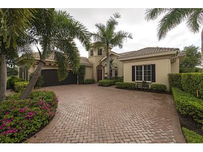 Частный односемейный дом for sales at FIDDLER'S CREEK - MAJORCA 8584  Majorca Ln Naples, Флорида 34114 Соединенные Штаты