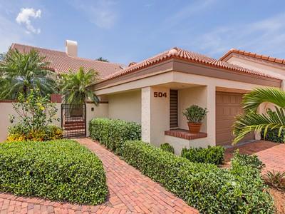 Nhà phố for sales at PELICAN BAY - BAY VILLAS 504  Bay Villas Ln Naples, Florida 34108 Hoa Kỳ