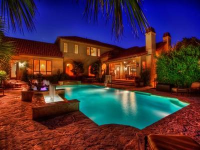 Casa Unifamiliar for sales at A True Resort in Prestigious Huntington Estates 206 Winding Ln  San Antonio, Texas 78231 Estados Unidos