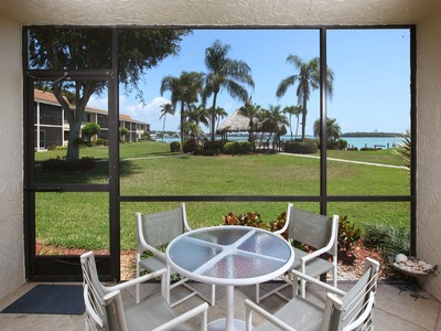 콘도미니엄 for sales at MARCOISLAND - COMMODORE CLUB 991  Collier Ct 102 Marco Island, 플로리다 34145 미국