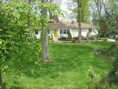 Casa Unifamiliar for sales at Ranch 37 Huyler Ct Setauket, Nueva York 11733 Estados Unidos
