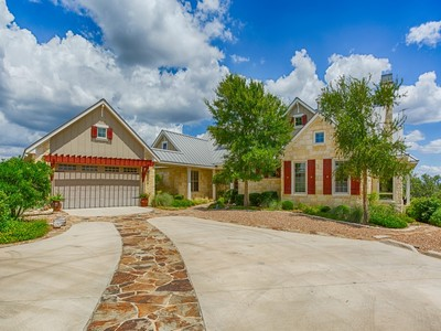 Nhà ở một gia đình for sales at Panoramic Views From This Gorgeous Comfort Estate 174 Camino Del Reserve Ln  Comfort, Texas 78013 Hoa Kỳ