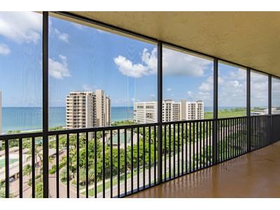 コンドミニアム for sales at VANDERBILT BEACH YACHT & RAQUET CLUB 11030  Gulf Shore Dr 1104  Naples, フロリダ 34108 アメリカ合衆国