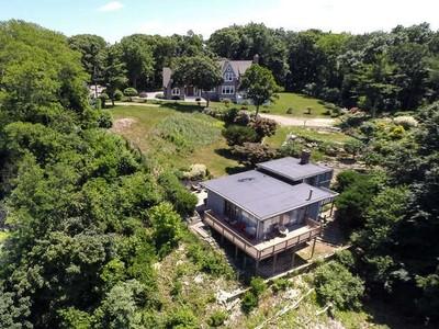 Nhà ở một gia đình for sales at Dolphin's Way   Riverhead, New York 11901 Hoa Kỳ