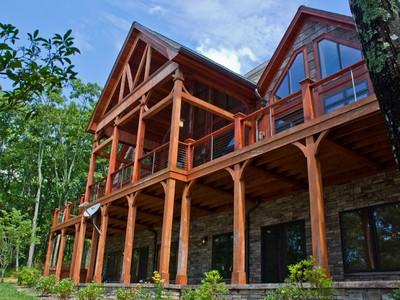 Casa para uma família for sales at The Martin Lodge  West Jefferson, Carolina Do Norte 28640 Estados Unidos