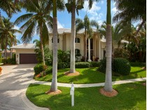 Maison unifamiliale for sales at MARCO ISLAND - HULL COURT 730  Hull Ct   Marco Island, Florida 34145 États-Unis