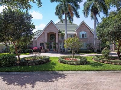 独户住宅 for sales at PELICAN BAY - GEORGETOWN 6621  George Washington Way Naples, 佛罗里达州 34108 美国