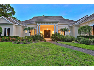 Maison unifamiliale for sales at OAKS BAYSIDE 222  Sugar Mill Dr  Osprey, Florida 34229 États-Unis