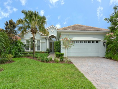 Maison unifamiliale for sales at LAKEWOOD RANCH COUNTRY CLUB 12326  Thornhill Ct Lakewood Ranch, Florida 34202 États-Unis