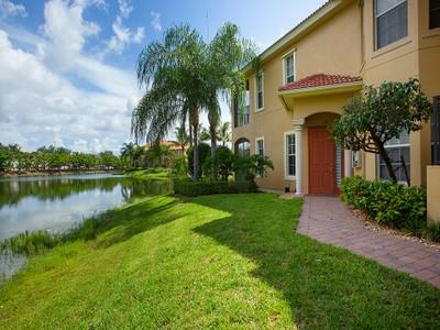 Condominio for sales at BANYAN WOODS - RESERVE II 5012  Maxwell Cir 101 Naples, Florida 34105 Estados Unidos