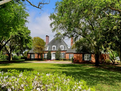 Частный односемейный дом for sales at MANATEE RIVER 4422  Riverview Blvd Bradenton, Флорида 34209 Соединенные Штаты