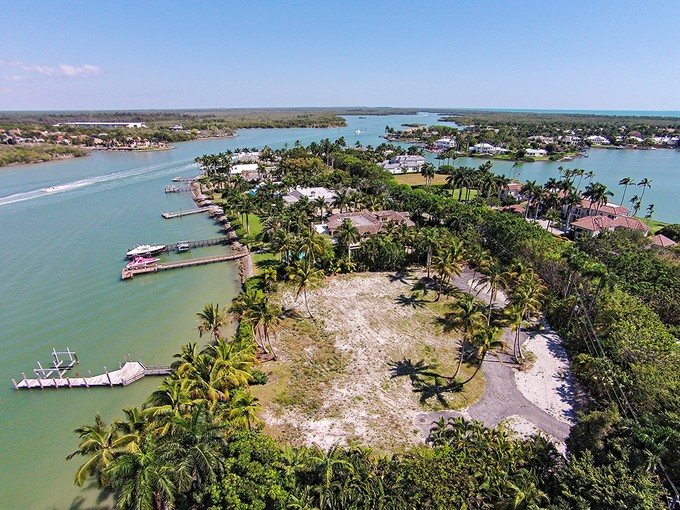 Land for sales at PORT ROYAL 1777  Galleon Dr   Naples, Florida 34102 United States