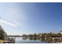 Casa Unifamiliar for sales at PARK SHORE 4235  Crayton Rd   Naples, Florida 34103 Estados Unidos