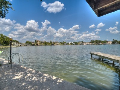 Land for sales at Waterfront Property with Fabulous Views 1401 Belaire Dr Granite Shoals, Texas 78654 Vereinigte Staaten