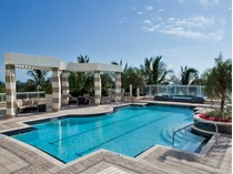 Condominio for sales at PARK SHORE - REGENT 4101  Gulf Shore Blvd  N PH 1   Naples, Florida 34103 Estados Unidos
