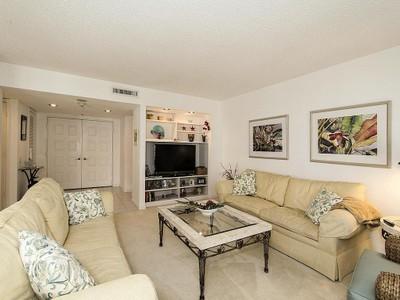 Nhà chung cư for sales at PARK SHORE-MONACO BEACH CLUB 4401  Gulf Shore Blvd  N 1406 Naples, Florida 34103 Hoa Kỳ
