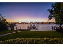 Nhà ở một gia đình for sales at THE MOORINGS 250  Bahia Pt  The Moorings, Naples, Florida 34103 Hoa Kỳ