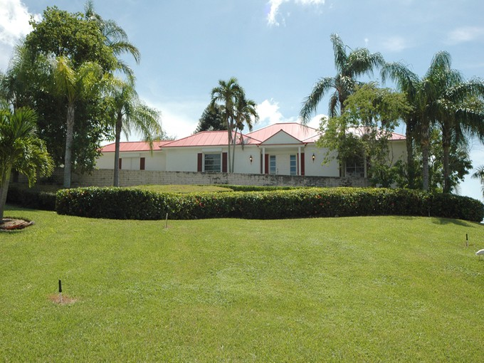 Einfamilienhaus for sales at MARCO ISLAND 1901  Kirk Marco Island, Florida 34145 Vereinigte Staaten
