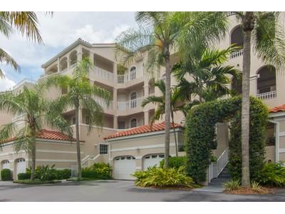 共管物業 for sales at PELICAN MARSH - CLERMONT 1610  Clermont Dr 102 Naples, 佛羅里達州 34109 美國