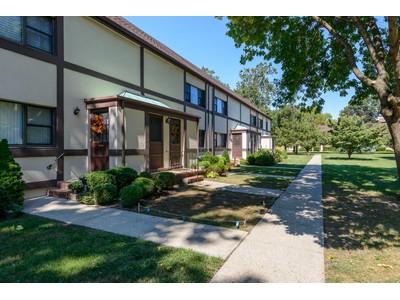 公寓 for sales at Co-Op 111 15th St 1 E1  Garden City, 纽约州 11530 美国