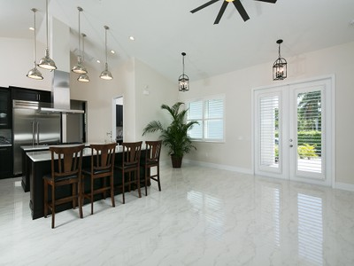 Casa para uma família for sales at PARADISE VILLAGE - PARADISE VILLAGE 27080  Flamingo Dr Bonita Springs, Florida 34135 Estados Unidos