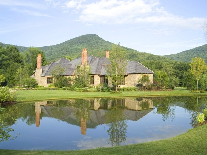 獨棟家庭住宅 for sales at Four Ponds 135 Paddock Lane Dorset, 佛蒙特州 05251 美國