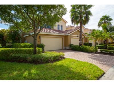 Кооперативная квартира for sales at FIDDLER'S CREEK - LAGUNA 9292  Belle Ct 101  Naples, Флорида 34114 Соединенные Штаты