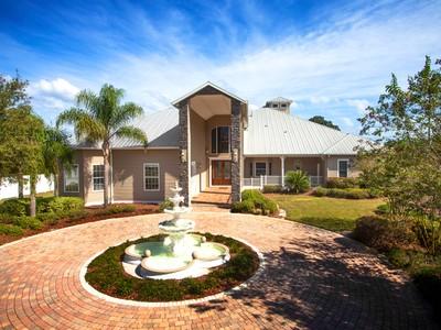 Nhà ở một gia đình for sales at LAGO WHISPERS-THONOTOSASSA 11703  Taylor Rd Thonotosassa, Florida 33592 Hoa Kỳ