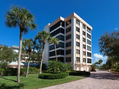Кооперативная квартира for sales at TURTLE BAY 8701  Midnight Pass Rd 407 Sarasota, Флорида 34242 Соединенные Штаты
