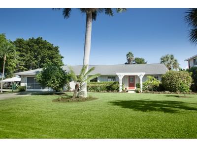 Частный односемейный дом for sales at VANDERBILT BEACH - CONNORS 249  Lagoon Ave  Naples, Флорида 34108 Соединенные Штаты