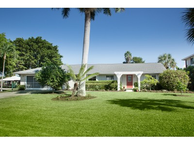 Villa for sales at VANDERBILT BEACH - CONNORS 249  Lagoon Ave  Naples, Florida 34108 Stati Uniti