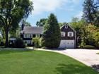 Nhà ở một gia đình for  sales at Colonial 229 Albon Rd Hewlett Harbor, New York 11557 Hoa Kỳ