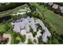 Villa for sales at GREY OAKS -ESTATES 2956  Bellflower Ln   Naples, Florida 34105 Stati Uniti