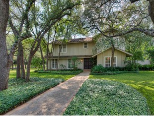Single Family Home for sales at Beautiful Home in Forest Oaks 9407 E Valley View Ln San Antonio, Texas 78217 United States