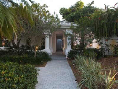 Частный односемейный дом for sales at PRESTANCIA 4175  Escondito Cir Sarasota, Флорида 34238 Соединенные Штаты