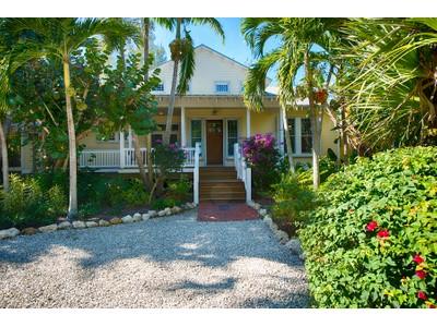 Casa Unifamiliar for sales at Captiva 16910  Captiva Dr Captiva, Florida 33924 Estados Unidos
