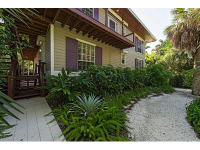 Частный односемейный дом for sales at OLD NAPLES 1355  4th St  S Naples, Флорида 34102 Соединенные Штаты