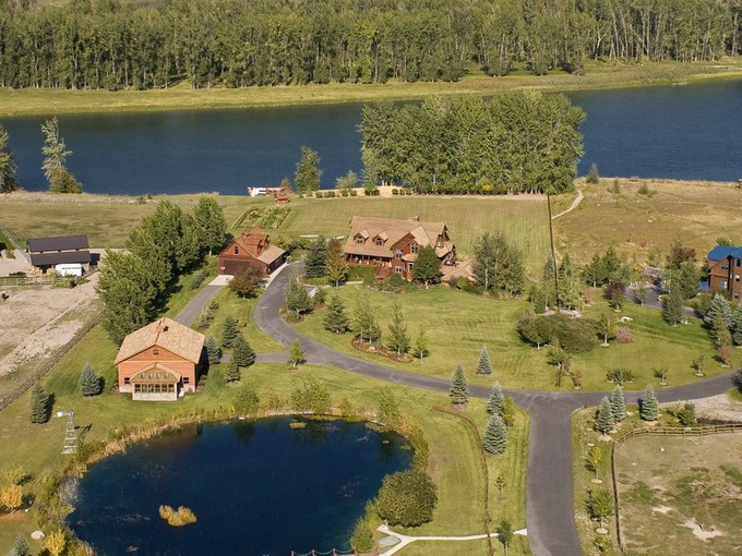 Villa for sales at Flathead River Home 767 Lower Valley Road Kalispell, Montana 59901 Stati Uniti