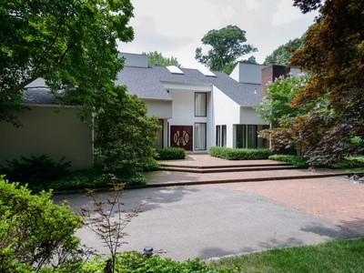 Casa para uma família for sales at Contemporary 2 Stoneridge Ct  Muttontown, Nova York 11791 Estados Unidos
