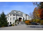 Maison unifamiliale for  sales at Wind Song 156 W Tower Hill Rd Tuxedo Park, New York 10987 États-Unis
