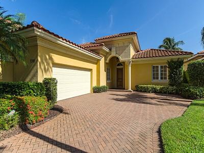 Casa Unifamiliar for sales at OLDE CYPRESS - SANTA ROSA 7391  Monteverde Way Naples, Florida 34119 Estados Unidos