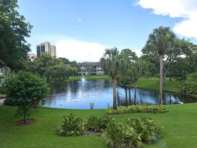 Condo / Townhome / Villa for rentals at 5950 Pelican Bay Blvd 123  Naples, Florida 34108 United States