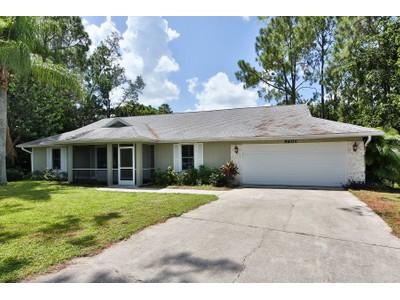 Vivienda unifamiliar for sales at TALL PINES - TALL PINES 5601  Waxmyrtle Way Naples, Florida 34109 Estados Unidos