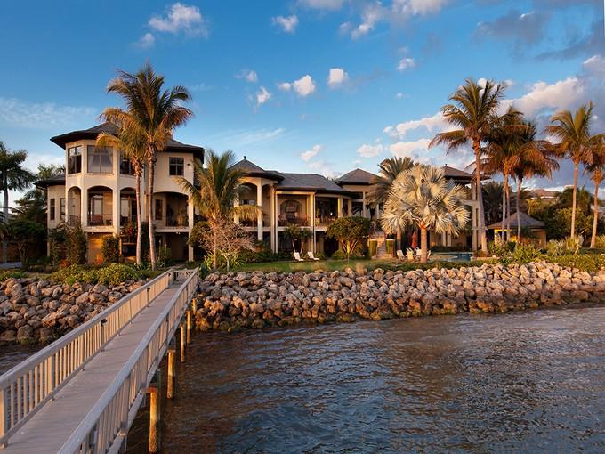 Maison unifamiliale for sales at SAPPHIRE SHORES 374 S Shore Dr   Sarasota, Florida 34234 États-Unis