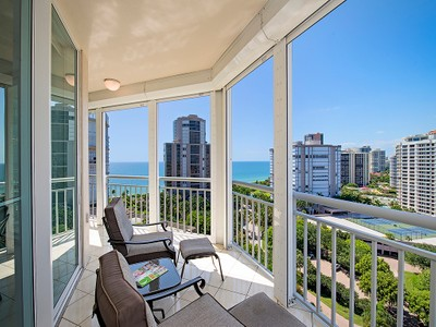 Кооперативная квартира for sales at PARK SHORE - BAY SHORE PLACE 4255  Gulf Shore Blvd  N 1201 Naples, Флорида 34103 Соединенные Штаты