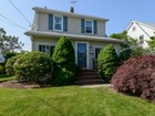 Villa for  sales at 2 Story 90 Fairfield Ave Mineola, New York 11501 Stati Uniti