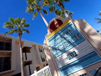 Eigentumswohnung for sales at SUNSET TERRACE 2312  Gulf Dr  N 204 Bradenton Beach, Florida 34217 Vereinigte Staaten