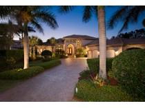 独户住宅 for sales at PARK SHORE 315  Pirates Bight   Naples, 佛罗里达州 34103 美国