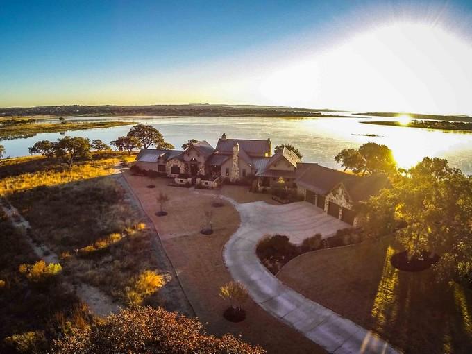一戸建て for sales at Magnificent Property with One-of-a-Kind Views 110 Spiritual Pass Spring Branch, テキサス 78070 アメリカ合衆国